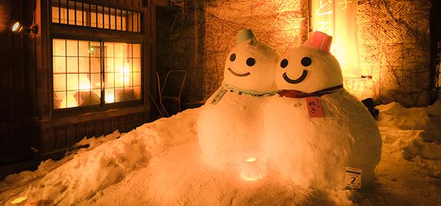 街のあちこちに雪とあかりのオブジェが・・・